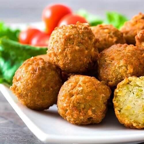 Falafel - vegetarian kotletləri
