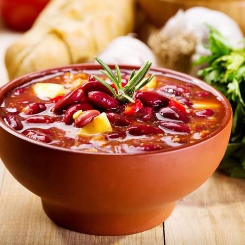 Qırmızı lobya şorbası