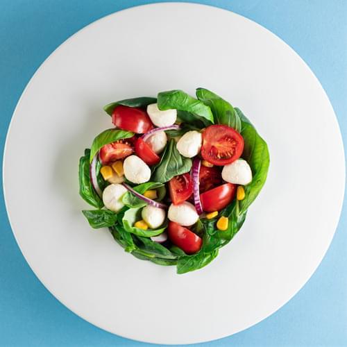 მოცარელას და სიმინდის სალათი